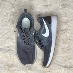 Nike | Gray | Running Shoes | Sneakers